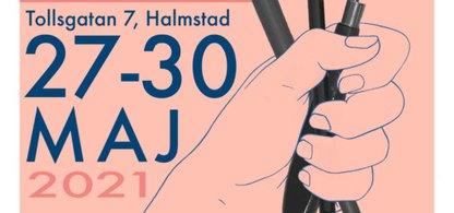 En hand samt datum 27-30 maj 2021 och adress Tollsgatan 7 i Halmstad.